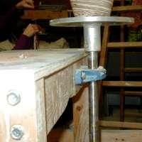 Construire un tour pied par alain duroudier smart conseil toute la c ramique - Fabriquer un tour de potier ...